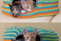 Cama para gatos tejida a crochet