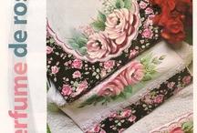 pinturas em tecidos / by Elisabete DE  Oliveira