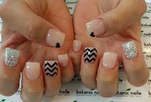 nails / by Aubrie Wynn