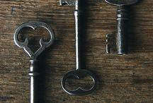 Chiavi e lucchetti / Chiavi antiche,lucchetti e serrature