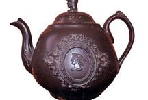 Clay - Teapots / by Dion Kieft