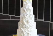 Decorated Cakes / by DLauna Christensen