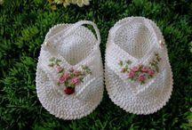 bebek patiği  ve şapkası