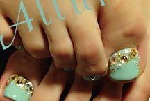 Fancy Footsies