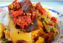 Wisata Kuliner / Cerita mengenai kuliner khas minangkabau, cara membuat hingga keunikannya yang membedakan dengan makanan daerah lain