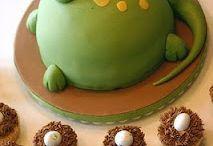 Birthday/Celebration cakes / by Suzanne Williams