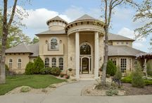 FIRST LOOK - Homes Just Listed in DFW / North Texas / See what's just hit the market in Dallas, Highland Park, University Park, Lakewood, Southlake, Colleyville, Fort Worth, and beyond!