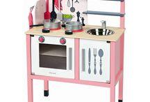 """Idées Cadeau """"Pour faire comme les grands"""" ! ;) / Découvrez notre sélection de jouets en bois qui permettent à bébé de faire comme papa ou comme maman !"""