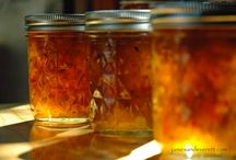 Recipes: Canning / by Teri Barthelmes