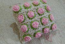 Almohadones crocheteados
