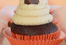 Cupcakes / by Virginia Peterson