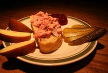 Vegan auf's Brot - Aufstriche und Salate / Hier sind Bilder von den veganen Brotbelagen von dailyvegan.de: Käse, Würste, Brotsalate, Seitan, Tofu, Aufstriche...  vegan - unkommerziell - lecker - einfach nachzukochen
