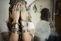 Antique Jewelry / by Therese Leiszler