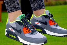 """Nike Air Max 90 (GS) 705499 002 """"Wolf Grey"""""""