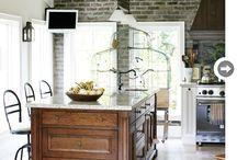 HOME: Kitchens / by PaulElisabeth Morn