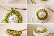 Crochet bolas