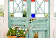 renkli cam kapı pencere