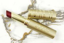* stila matte métal lip love* / Bold, metallic-matte lips in one sweep of the stick! With the perfect balance of concentrated pigments and nourishing oils, this lasting lip color kisses with a smooth, weightless, creamy metallic-matte finish that's never heavy or dry.