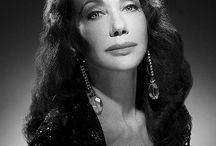 Marisa Berenson / Una grande icona di bellezza, stile ed eleganza. Proveniente da una famiglia aristocratica, già in giovane età entra nel mondo della moda.