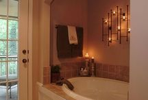 Bathrooms / by Elizabeth Faulkner