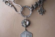 eiffel tower jewelry, love it!!!
