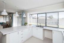 Hydra White Kitchen Worktops / Trend/Granite Transformations Hydra White Worktops