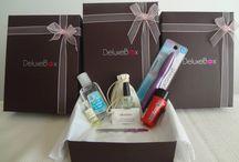 La Cajita / Impresiónate y engríete mes a mes con los productos que DeluxeBox te ofrece. Son muestras y miniaturas o travel sizes de productos de belleza y cuidado personal.