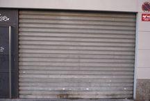 Persianero de valencia / Cerrajeros Valencia, apertura de puertas, cambio de cerraduras, bombillos, cierres. Cerrajero urgente 24 horas. Persianas, motores, puertas seccionales, correderas, enrollables, batientes, preleva. Rápido y Barato. www.valenciacerrajeros.es