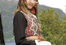 Costumes - Bunad and other costumes from Scandinavia