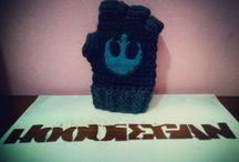 Hoodiegan crochet gloves