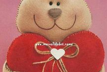 Valentine's Day - crafts  / Cute craft ideas / by Laura Hill