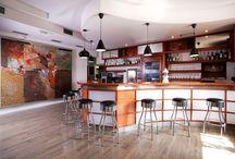 Bary a barové pulty