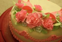 Decorated cakes / by Deb Rohrer