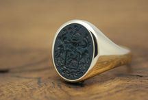 Custom Signet Ring / Singet Rings can be custom made with personal engravings, like a coat of arms, familycrest, initials / monogram or your own design. Here here some pins related to custom made signet rings.