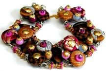smykker / smykker med knapper mm