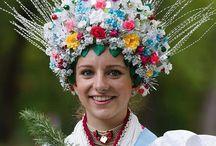 magyar népi építészet...népszokások...viseletek...hungarikumok