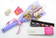 womens day gifts / #Women's day is celebrated worldwide to let her feel how important she is for you, your life and your family. Did you plan anything special for her? If not, turn to us! Chocko Choza proudly presents special edition of #chocolates and #cakes designed only for this very special day! #Personalized #chocolate boxes, vibrant and luscious #chocolate #bouquets and #themecakes – prepared absolutely to let her feel that she is the most special being on earth!
