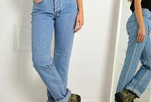 Γυνακεία Τζίν - Με Σκισίματα - Ψιλόμεσα / Γυναικεία παντελόνια τζιν από τις πιο επώνυμες μάρκες. Τα γυναικεία τζιν είναι αρκετά διαφορετικά από τα ανδρικά. Τα τζινς που σχεδιάζονται για γυναίκες είναι από τα κορυφαία fashion items και συχνά φέρουν την υπογραφή κάποιου διάσημου σχεδιαστή. Για την ακρίβεια, ακόμη κι ένα απλό τζιν μπορεί να μεταμορφωθεί σε επίσημο με τα λατάλληλα αξεσουάρ. Μπορεί λοιπόν τα τζιν να είναι τα πιο δημοφιλή παντελόνια στον κόσμο, δεν είναι όμως όλα τα σχέδια και όλες οι γραμμές τους πάντα in fashion.