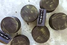 chocolate covered oreos / Chocolate covered oreos with gold luster dust / by Sweetcakesbydari