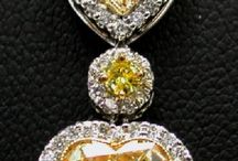 Pendants / Check out our fancy colored and white diamond pendants!