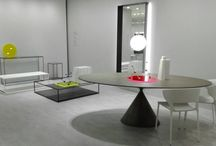 Desalto / Desalto is a leading Italian furniture brand well known for its sleek, minimalist aesthetics and advanced manufacturing expertise, especially with metals.  The company produces a wide range of iconic products with well known designers such as Nendo and Piero Lissoni.  Perfect for slick design schemes, in private or commercial spaces.