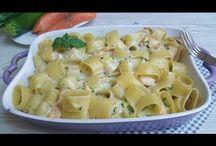 pasta al forno con zucchine e salmone
