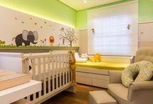 Quarto de Bebê / Inspire-se com lindas ideias de quarto de bebe completo, muitas imagens de decoração de quarto de bebe, papel de parede para quarto de bebe e decoração quarto de bebe. Aproveite! #quartodebebe #papeldeparedequartodebebe #ideiasdequartodebebe #decoracaoquartodebebe