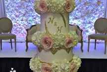 Metallic and floral wedding / Floral and metallic gold wedding cake and inspiration