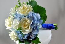 A Complex Bouquet / Wedding Flowers and Arrangements