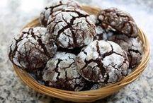 шоколадное печенье с трещинами
