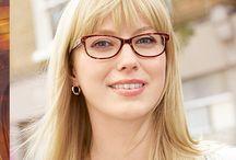 Chicas Specsavers Opticas