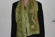 Gevilte sjaals / Nuno gevilte sjaals van chiffonzijde, merinowol, zijdelont en sarivezels.