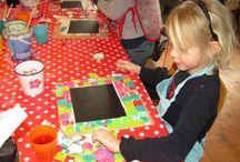 kinderfeestje knutselen - kids crafts / Wil je tijdens het kinderfeestje knutselen met kinderen? Op dit bord vind je leuke ideeën om dit op een leuke manier te doen.