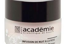 Infusion de Nuit à la Rose / Infusion de Nuit à la Rose is een heerlijke balm uit de aromaserie van ASdb. De balm versmelt als het ware met de huid. De huid wordt rijk verzorgd en kalmeert. #academiescienitifiquedebeaute